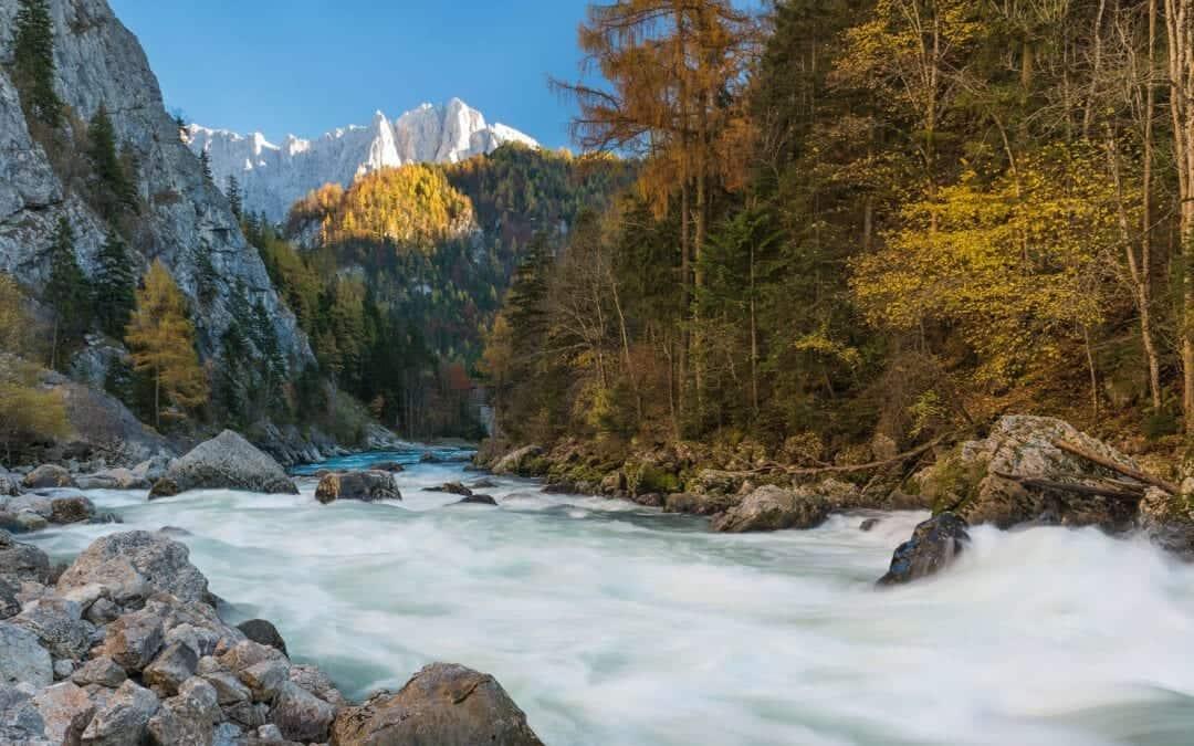 Flugs an den Fluss